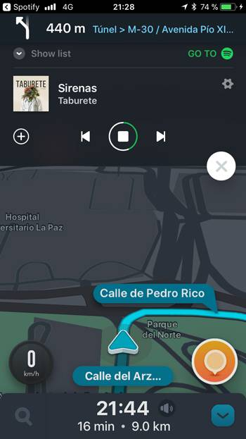Integración Apps Waze y Spotify